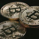仮想通貨投資とは!?そのメリットとデメリットをご紹介!