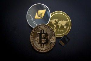 仮想通貨専門家6人による主要3通貨の価格予想