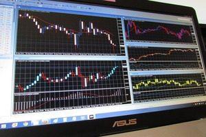仮想通貨相場、今後は、投機減少で価格が安定化